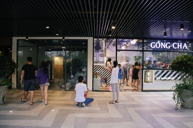 Sau 20 năm bỏ hoang với những lời đồn đoán rùng rợn, Thuận Kiều Plaza đã hồi sinh và sầm uất đến nhường này - Ảnh 15.