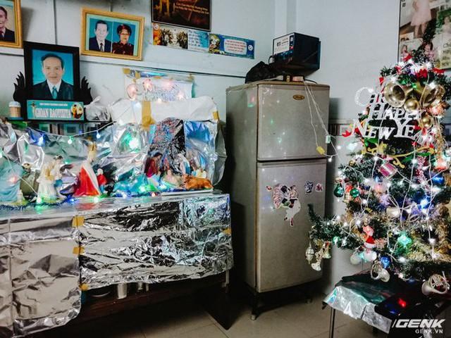 Đời sống qua lăng kính smartphone (Kỳ 1): Người dân Sài Gòn nô nức trang trí phố xá đón Noel đến gần - Ảnh 15.