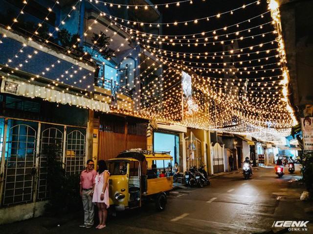 Đời sống qua lăng kính smartphone (Kỳ 1): Người dân Sài Gòn nô nức trang trí phố xá đón Noel đến gần - Ảnh 16.