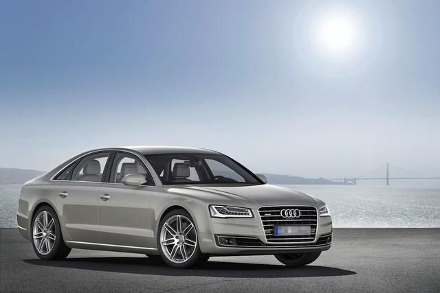 Không đi những chiếc xe triệu USD hay siêu xe nhiều người thèm muốn. Chiếc Audi A8 của Ortega tất nhiên cũng đắt thế nhưng ông chọn nó vì dáng vẻ bình thường cùng sự tiện nghi chứ không vì hào nhoáng.