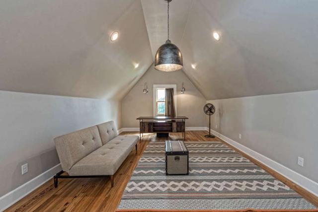 Căn nhà bỏ hoang chẳng ai muốn mua, cải tạo lại đẹp như biệt thự giá bán tăng gấp 34 lần - Ảnh 18.