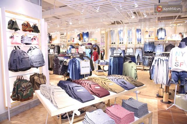 Pull&Bear Việt Nam: Giá rẻ hơn Thái Lan, áo phông giá từ 149.000 đồng, quần jeans từ 699.000 đồng - Ảnh 19.