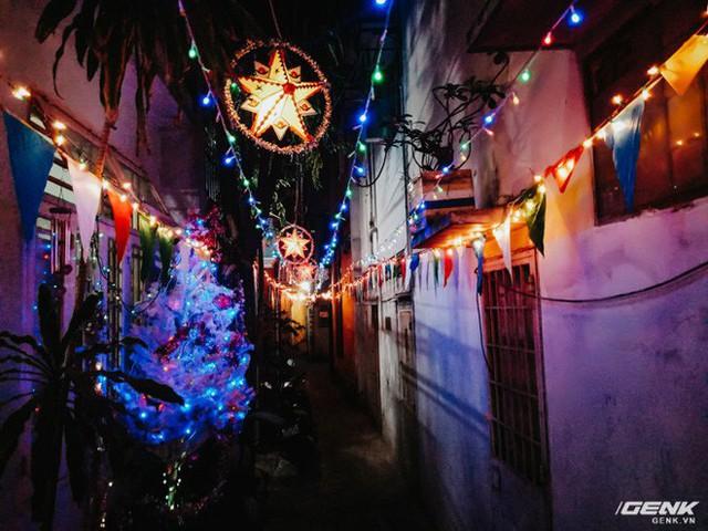 Đời sống qua lăng kính smartphone (Kỳ 1): Người dân Sài Gòn nô nức trang trí phố xá đón Noel đến gần - Ảnh 19.
