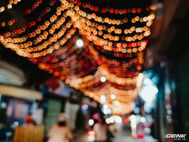 Đời sống qua lăng kính smartphone (Kỳ 1): Người dân Sài Gòn nô nức trang trí phố xá đón Noel đến gần - Ảnh 20.