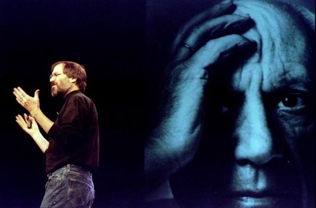 Tại Macworld 1998, nhờ sự dẫn dắt của Jobs, Apple cuối cùng cũng đã có lợi nhuận sau nhiều năm thua lỗ. Ảnh: Reuters.