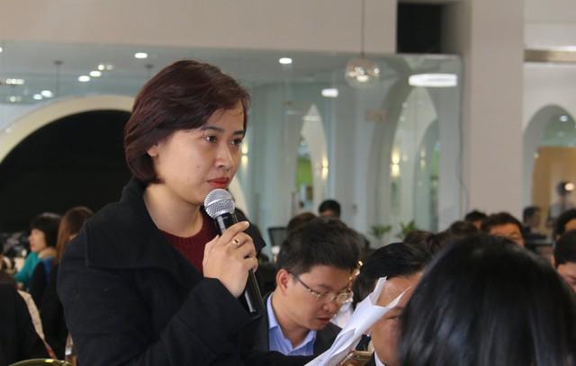 Bà Nguyễn Bích Ngọc – đại diện ĐH Kinh tế Quốc dân phát biểu tại hội thảo. Ảnh: Nguyễn Thảo