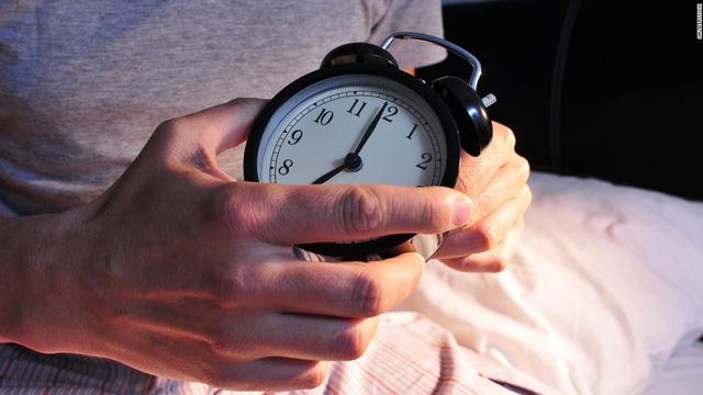Đồng hồ sinh học trong cơ thể bạn có đang chạy lệch nhịp so với mọi người?