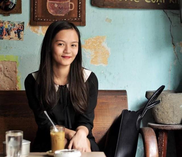 Ra nước ngoài học từ năm 14 tuổi, từ cô bé bỡ ngỡ chỉ biết khóc hàng ngày, Tường An đã trở thành nữ sinh trưởng thành, tự tin. Học bổng toàn phần của Đại học Standford trao cho cô trị giá khoảng hơn 1,5 tỷ đồng/năm.