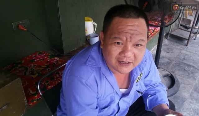 Anh Hoàng - bảo vệ quán cà phê đối diện cửa hàng Xôi Yến chia sẻ với PV