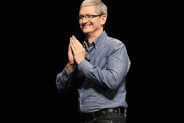 """Tim Cook: Tỏa sáng bằng tài năng chứ không phải """"cái bóng"""" của Steve Jobs - Ảnh 3."""