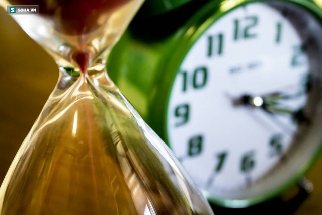 Tắt chuông báo thức ngủ tiếp rất nguy hại: Bài tập cho não khiến bạn không thể ngủ nướng - Ảnh 3.
