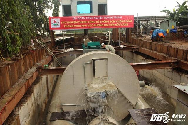 [Ảnh]: Tận mắt thấy siêu máy bơm chống ngập thần tốc ở Sài Gòn - Ảnh 3.