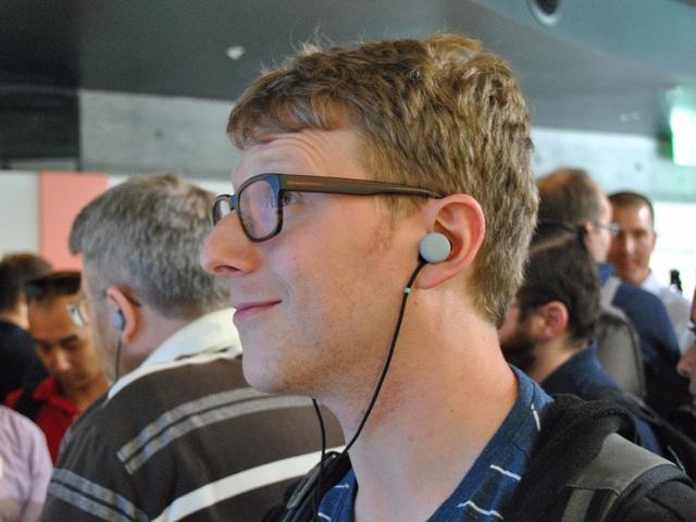 Google Pixel Buds, đối thủ đáng gờm của Apple AirPods
