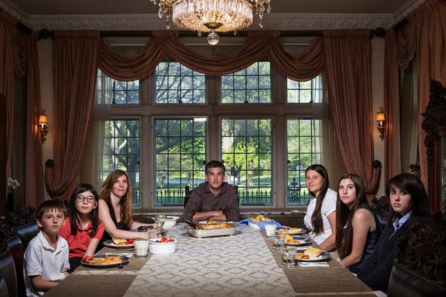 """Bữa ăn tối chuẩn """"văn hóa Mỹ"""" - câu chuyện từ những bức ảnh khiến nhiều người suy ngẫm - Ảnh 3."""