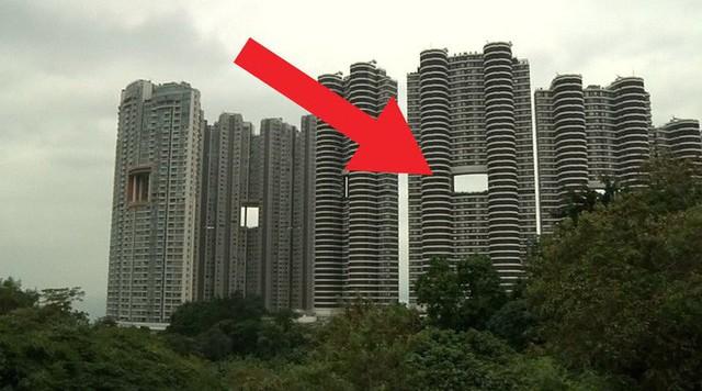 """photo-2-1511659257064 Bí mật thú vị đằng sau những """"lỗ hổng"""" siêu to ngay giữa các ngôi nhà cao tầng ở Hồng Kông"""
