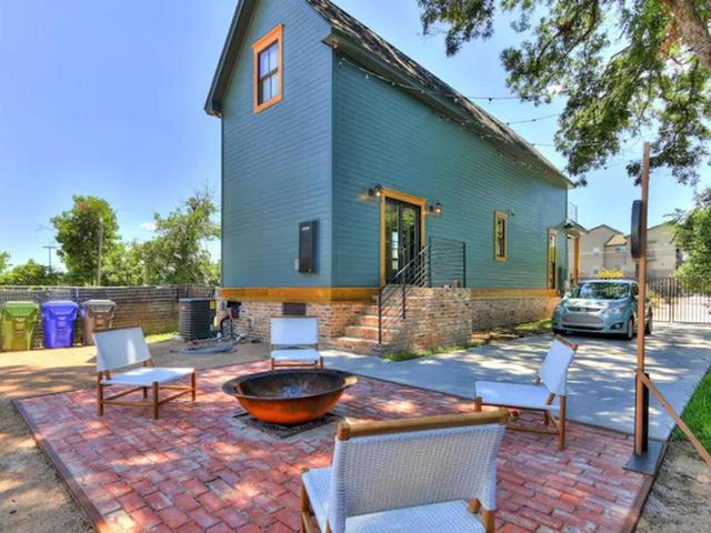 Căn nhà bỏ hoang chẳng ai muốn mua, cải tạo lại đẹp như biệt thự giá bán tăng gấp 34 lần - Ảnh 21.