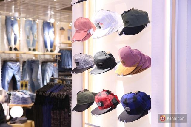 Pull&Bear Việt Nam: Giá rẻ hơn Thái Lan, áo phông giá từ 149.000 đồng, quần jeans từ 699.000 đồng - Ảnh 22.