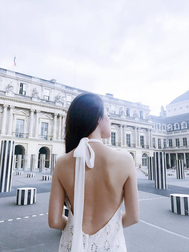 Cuộc sống ngập trong đồ hiệu, du lịch xa xỉ của Jolie Nguyễn - nàng hoa hậu trong hội con nhà giàu - Ảnh 28.