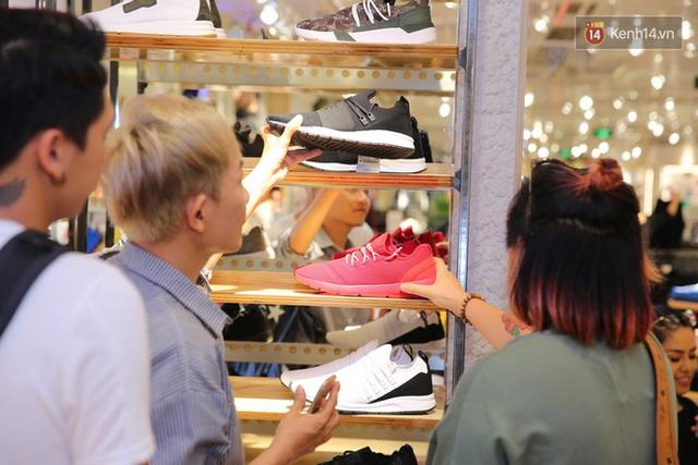 Pull&Bear Việt Nam: Giá rẻ hơn Thái Lan, áo phông giá từ 149.000 đồng, quần jeans từ 699.000 đồng - Ảnh 30.