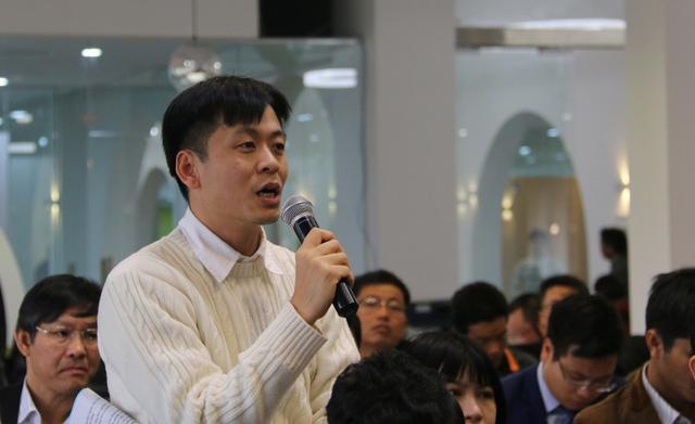 Đại biểu này cho rằng mục tiêu hỗ trợ 100 dự án khởi nghiệp đến năm 2020 là quá ít. Ảnh: Nguyễn Thảo
