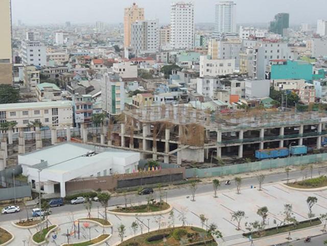 Một dự án nằm giữa trung tâm TP. Đà Nẵng xây dở dang hơn 10 năm nay.