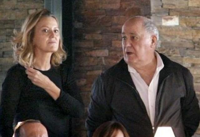 Cuộc hôn nhân của ông với người vợ đầu (đồng sáng lập Zara) đổ vỡ và ông đi tiếp bước nữa vào năm 2001 với người vợ thứ 2 Flora.