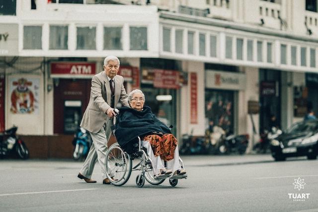 Bộ ảnh tình yêu của 2 cụ. Nguồn: TuArts Wedding