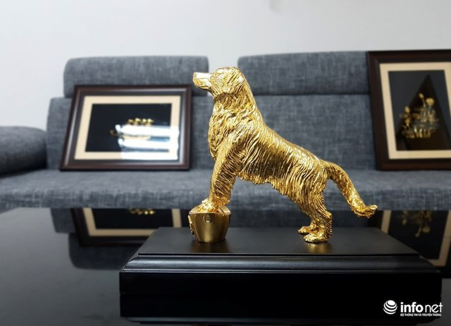 Đại gia chi chục triệu sắm Linh khuyển mạ vàng đón Tết Mậu Tuất 2018 - Ảnh 4.