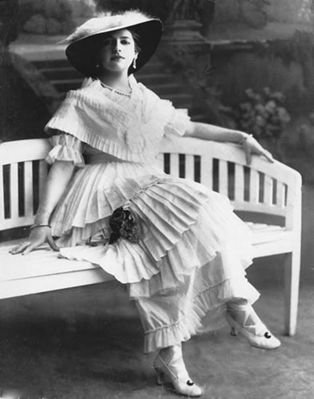 photo-3-1513397878878 Nữ điệp viên Mata Hari huyền thoại với vũ điệu thoát y khiến hơn 50.000 lính Pháp phải bỏ mạng trong thế chiến
