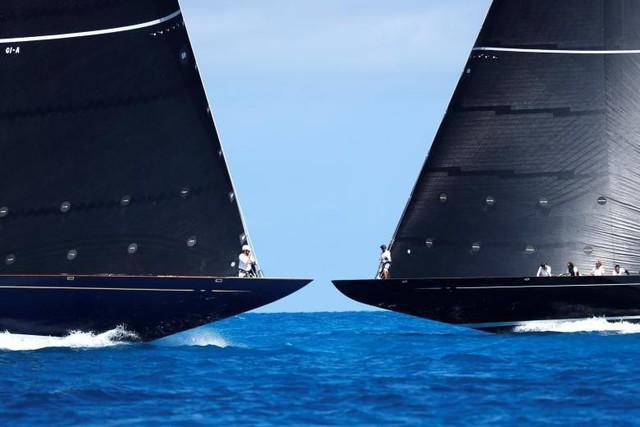 Những chiếc thuyền J Class cạnh tranh nhau trong trong trận chung kết cuộc đua thuyền của Mỹ.