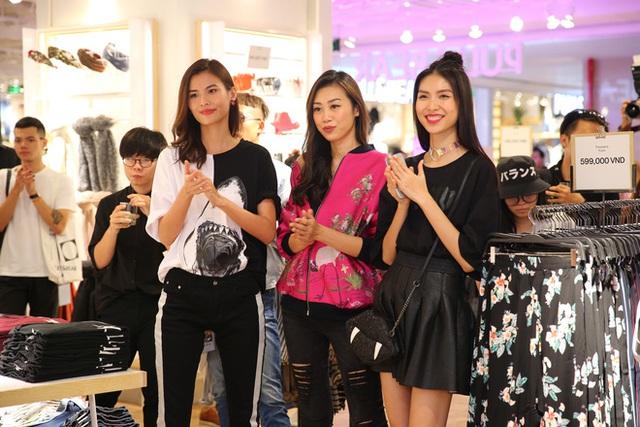 Pull&Bear Việt Nam: Giá rẻ hơn Thái Lan, áo phông giá từ 149.000 đồng, quần jeans từ 699.000 đồng - Ảnh 35.