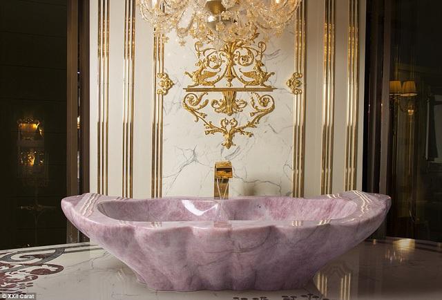 Choáng ngợp với bồn tắm bằng đá quý thạch anh trong biệt thự triệu đô của giới siêu giàu - Ảnh 5.