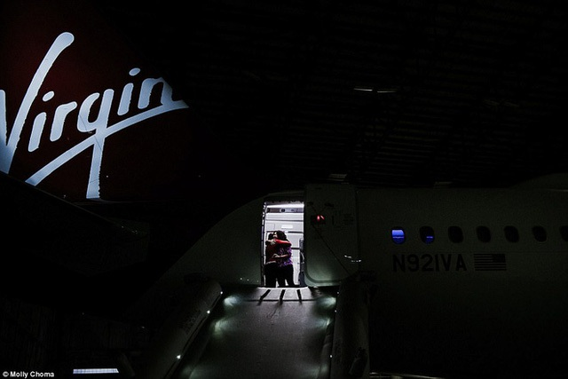 Chùm ảnh: Cuộc sống bí ẩn của các tiếp viên hàng không ở độ cao hơn 9.000m - Ảnh 5.