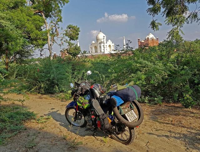 Ghé Taj Mahal ở Ấn Độ
