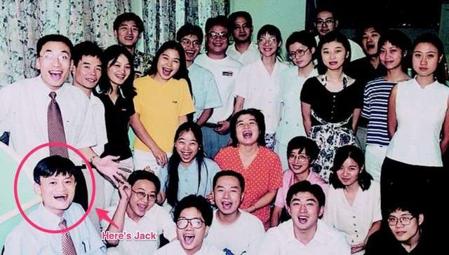 Porter Erisman, một trong những cộng sự đầu tiên của Ma, chia sẻ rằng Alibaba thực sự là một gia đình gắn bó.