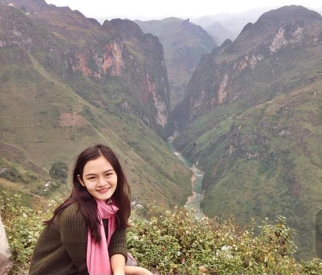 Bức ảnh được Tường An chia sẻ trên trang cá nhân kể về chuyến trải nghiệm tại Hà Giang bằng xe máy. An miêu tả đó là chuyến đi không bao giờ quên khi được trải nghiệm trên những cung đường hạnh phúc.
