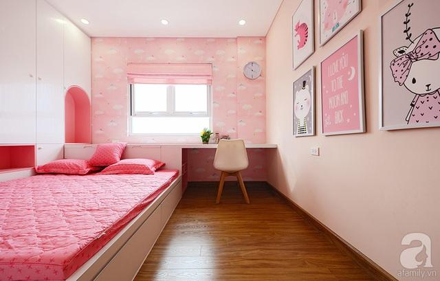 Căn phòng đơn giản nhưng đủ tiện nghi cho mọi nhu cầu của trẻ.