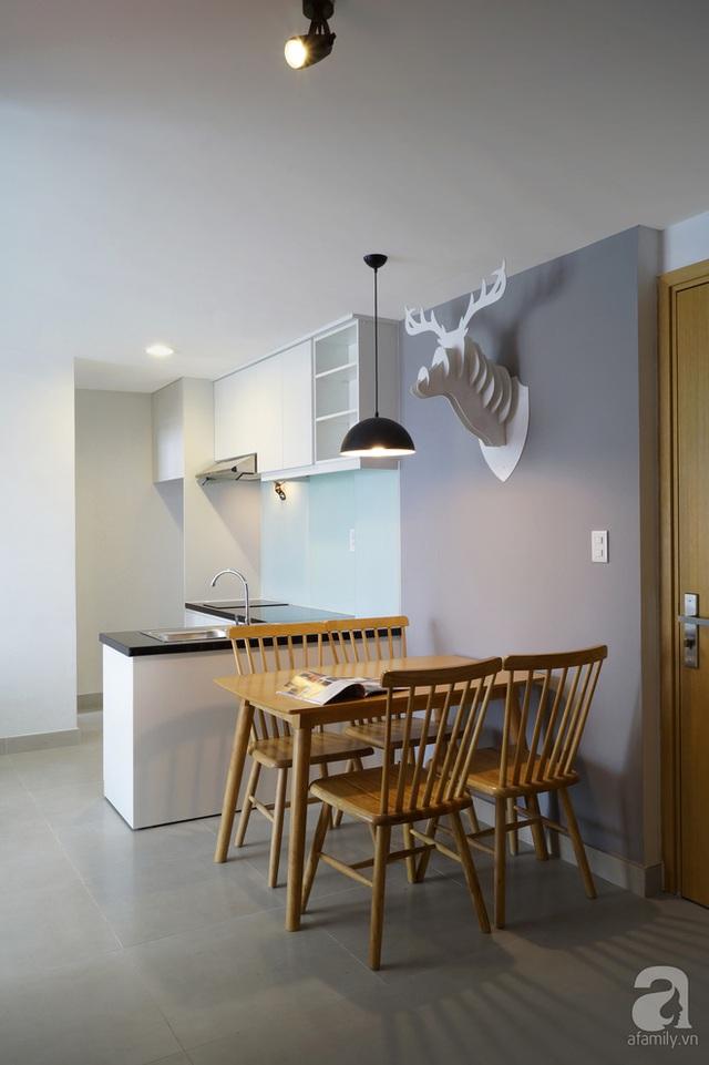 Bếp ăn chữ L rất tiện thao tác, mẫu bàn ăn nhỏ, có thể xếp gọn, rất hợp với diện tích nhà.