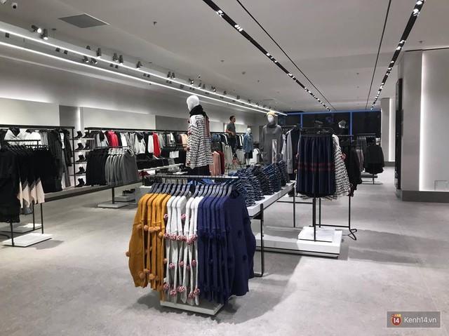 HOT: Tận mắt ngắm trọn 3 tầng của store Zara Hà Nội, to và sáng nhất phố Bà Triệu - Ảnh 6.
