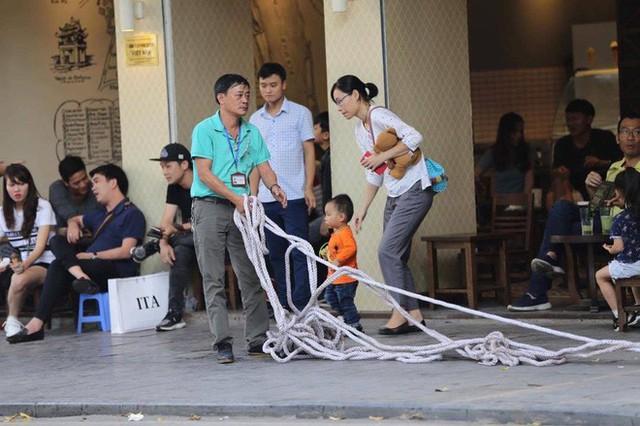 Cập nhật: Tổng thống Mỹ Donald Trump tới Hà Nội, an ninh thắt chặt tại các tuyến đường trung tâm - Ảnh 6.