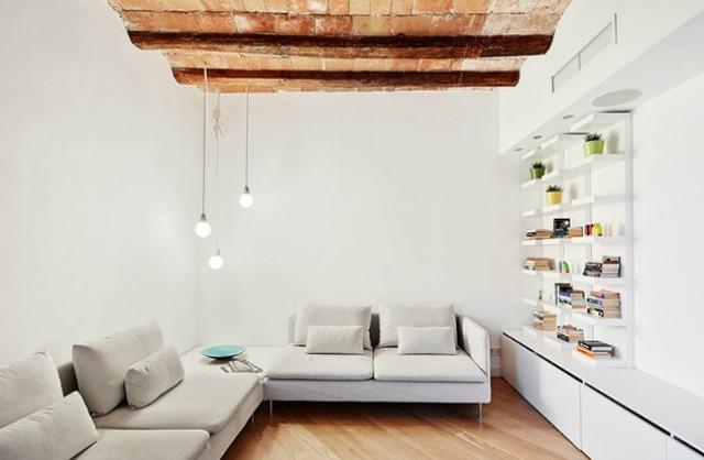 Được thay cửa và tường bằng gương, căn nhà cũ thay đổi không ngờ - Ảnh 7.