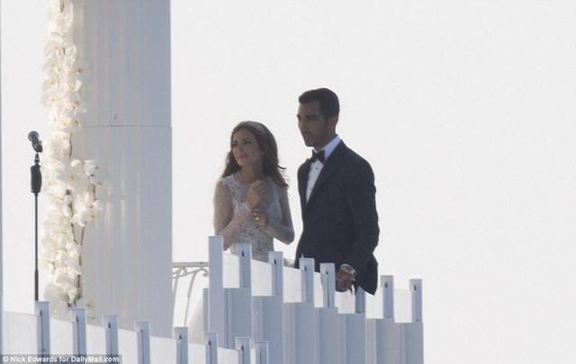 Cận cảnh đám cưới xa hoa ngút trời của con gái ông trùm địa ốc New York có giá 568 tỷ - Ảnh 7.