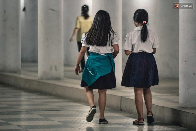 Chùm ảnh: Một nhịp sống Hà Nội thật khác ở phố đi bộ 12 cửa dưới lòng đất trong 10 năm qua - Ảnh 7.