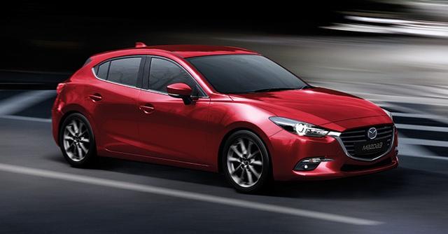 Tùy thuộc vào từng bản trang bị, Mazda3 2017 sẽ có bộ vành hợp kim 16 hoặc 18 inch. Bên cạnh đó là những tùy chọn màu sơn ngoại thất như xám, bạc, xanh dương, đen, trắng và đỏ.