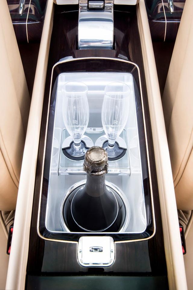 Chiếc xe Rolls-Royce Sweptail đắt giá nhất lịch sử nhân loại được làm cho một nhà sưu tầm bí ẩn có gì đặc biệt? - Ảnh 8.
