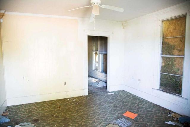 Căn nhà bỏ hoang chẳng ai muốn mua, cải tạo lại đẹp như biệt thự giá bán tăng gấp 34 lần - Ảnh 7.