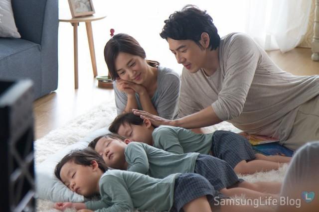 Người mẹ ít xuất hiện của ba anh em Daehan, Minguk và Manse.