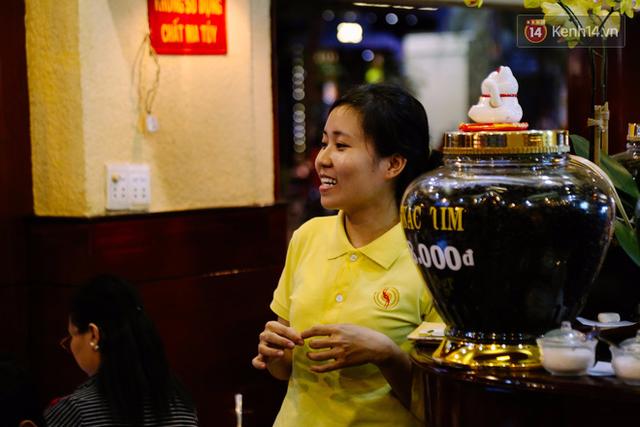 Quán cafe ở Sài Gòn mà Thủ tướng Canada ghé uống: Ông và người ngồi cùng bàn đều uống cafe sữa pha phin và khen ngon - Ảnh 8.