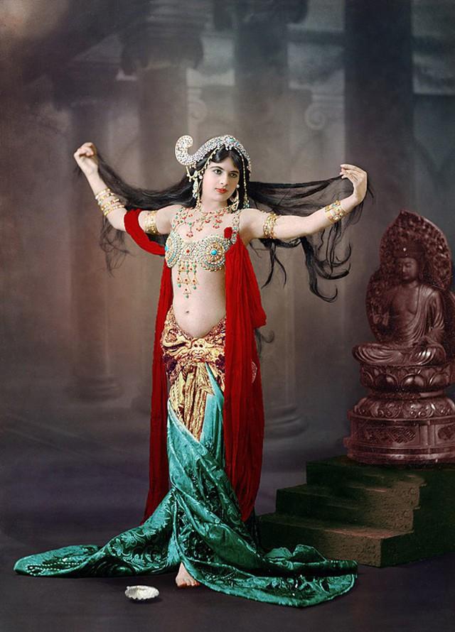 photo-7-1513397878881 Nữ điệp viên Mata Hari huyền thoại với vũ điệu thoát y khiến hơn 50.000 lính Pháp phải bỏ mạng trong thế chiến