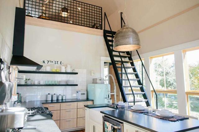 Căn nhà bỏ hoang chẳng ai muốn mua, cải tạo lại đẹp như biệt thự giá bán tăng gấp 34 lần - Ảnh 8.